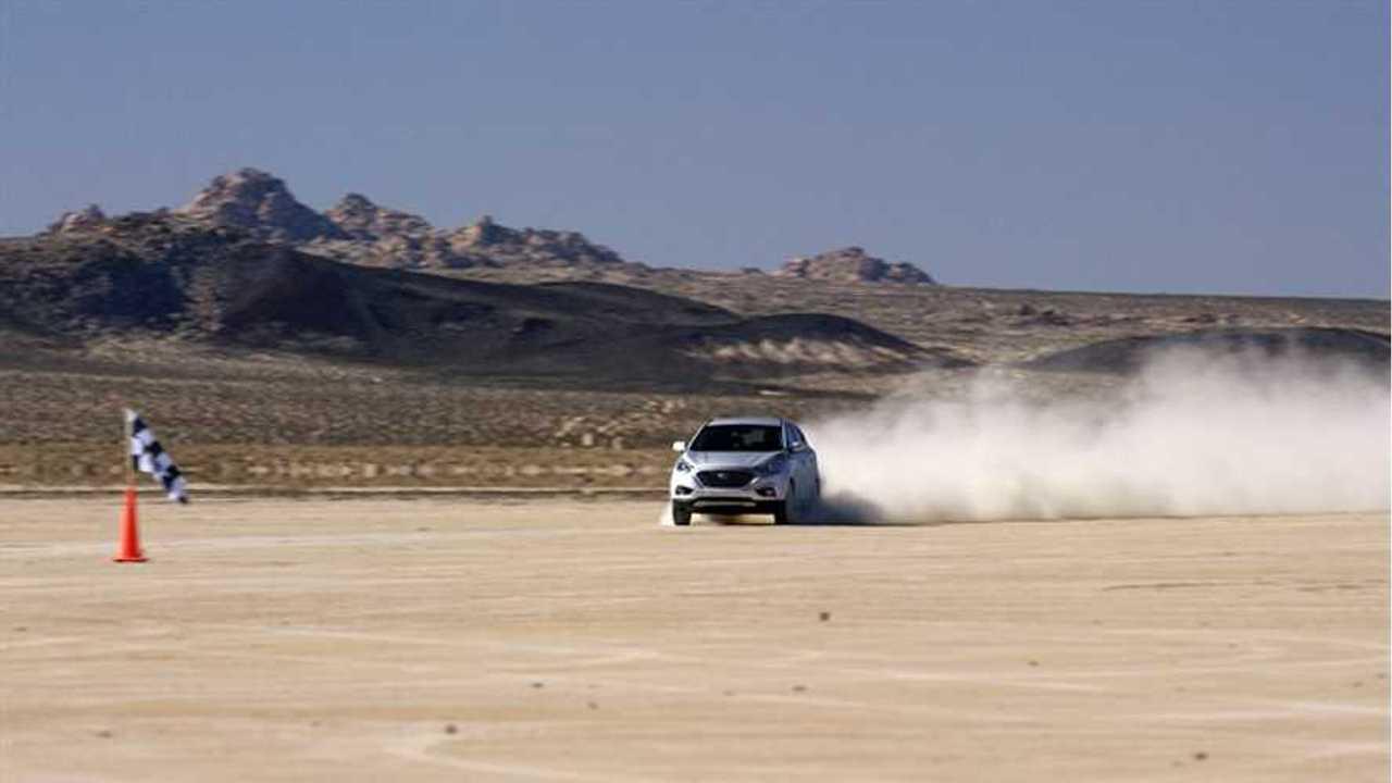Hyundai Tucson Fuel Cell SUV Sets Land Speed Record
