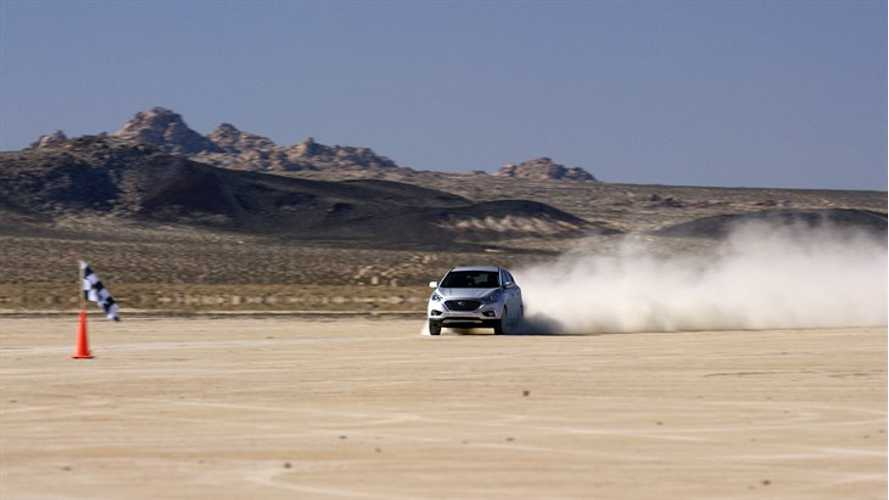 Hyundai Tucson Fuel Cell SUV Sets Land Speed Record