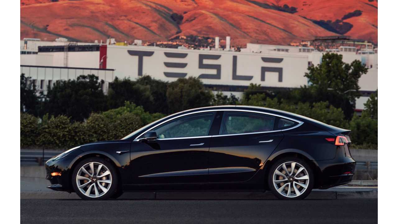 Another look at Tesla Model 3 001 - with what appears to be 19