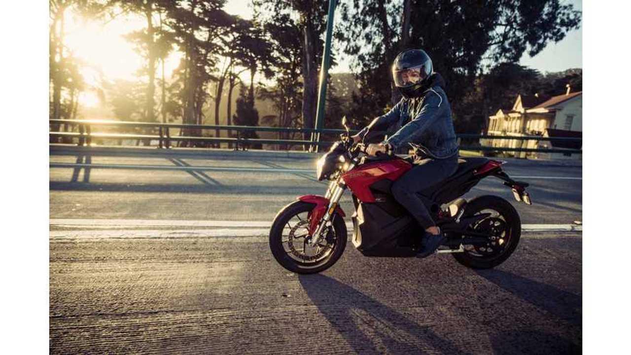 F1 Champ Nico Rosberg Rides Zero Electric Motorcycle, Visits Tesla - Video
