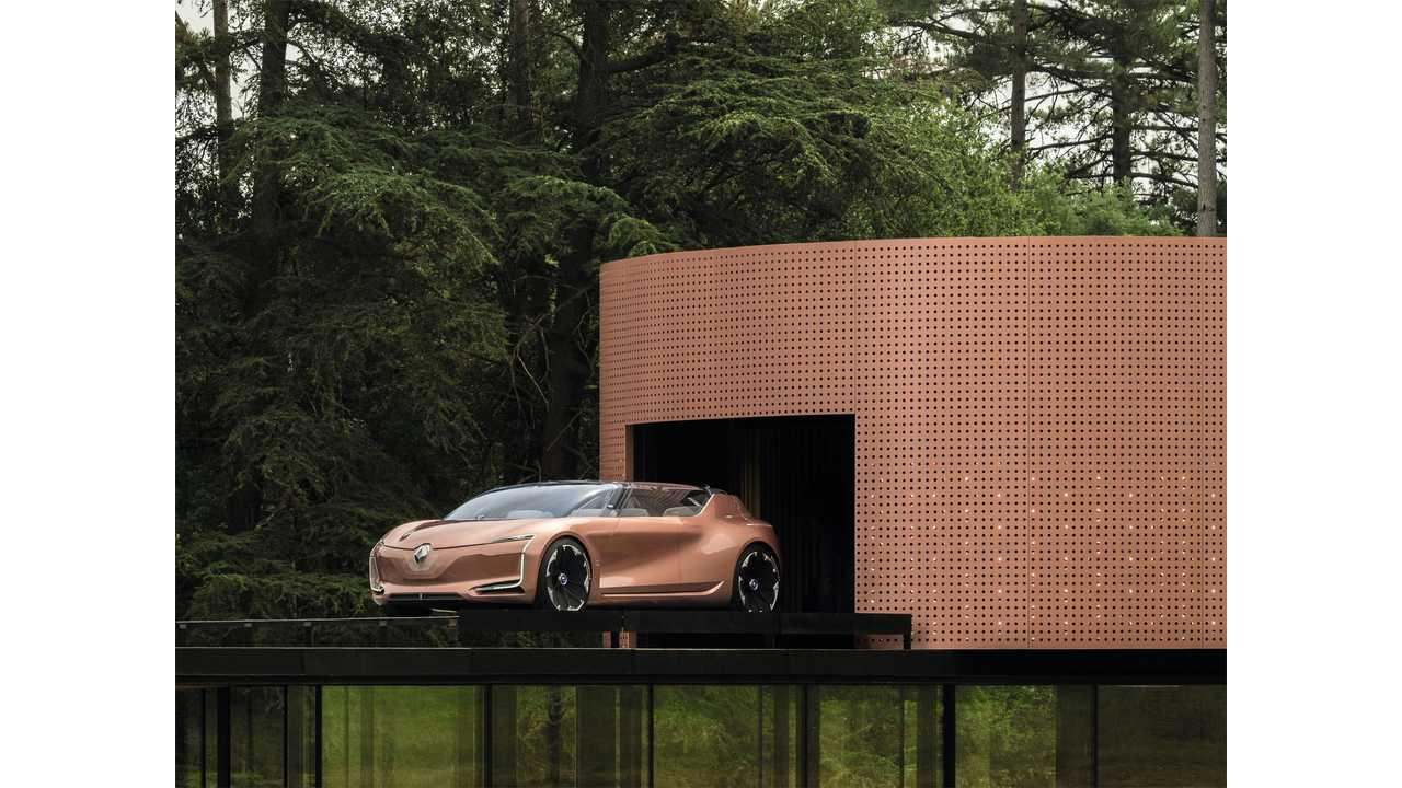 Renault SYMBIOZ - The Car That Turns Into A Living Room For Your Home - Video