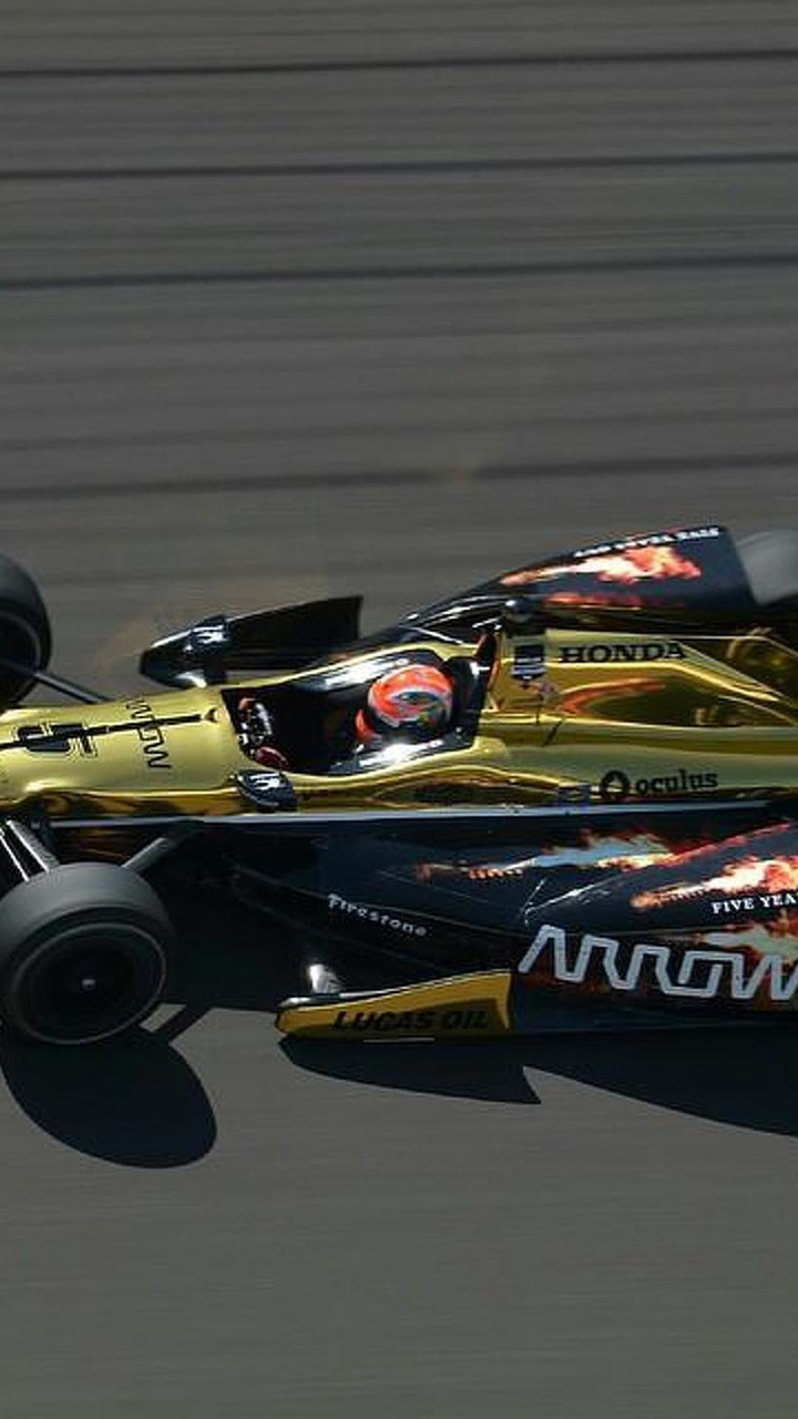 James Hinchcliffe / Official Facebook page