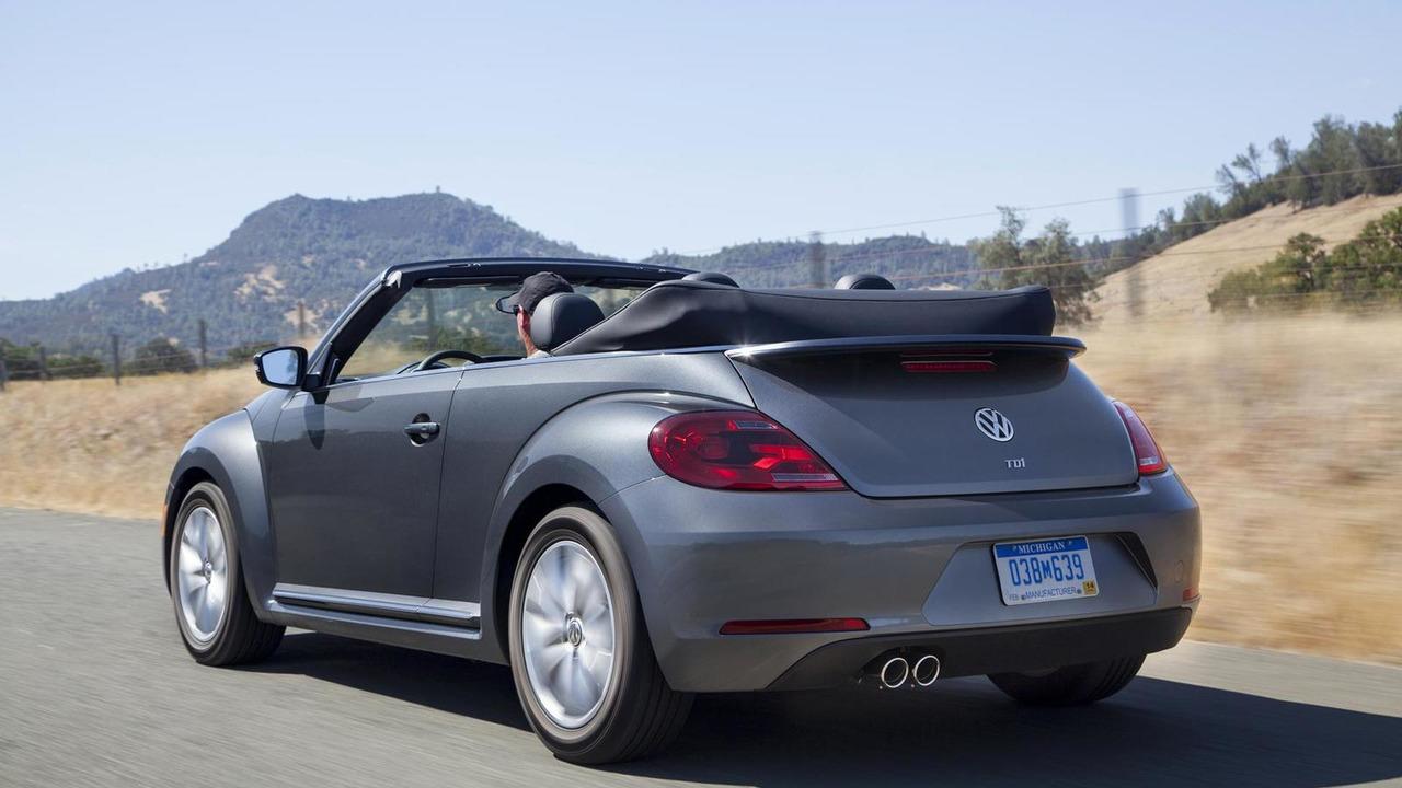 2013 Volkswagen Beetle Convertible TDI (US-spec)