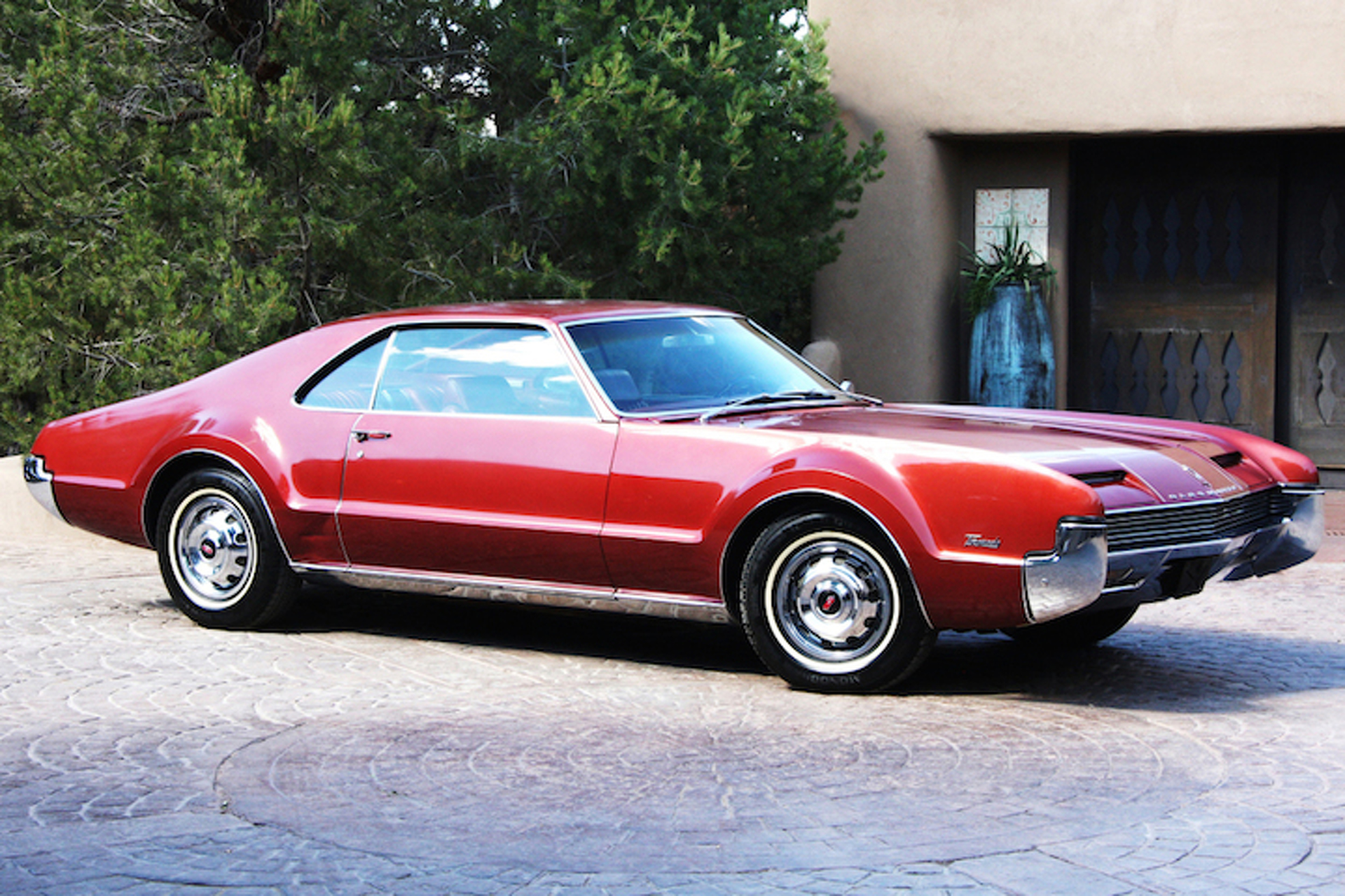 The Oldsmobile Toronado Made Front-Wheel Drive Cool: Muscle