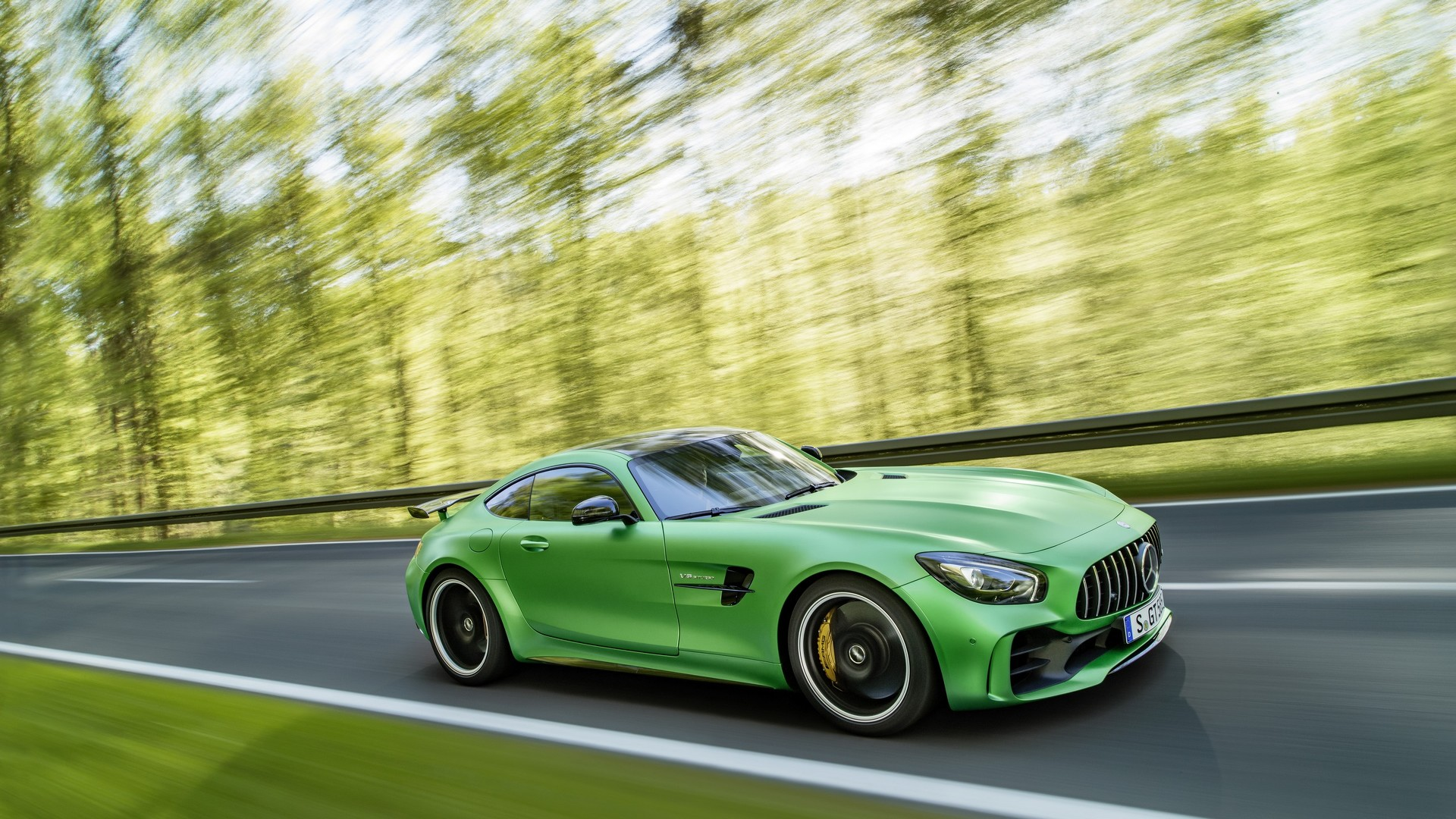 Mercedes Amg Gt R Price Announced For Uk Cheaper Than Mclaren 570s