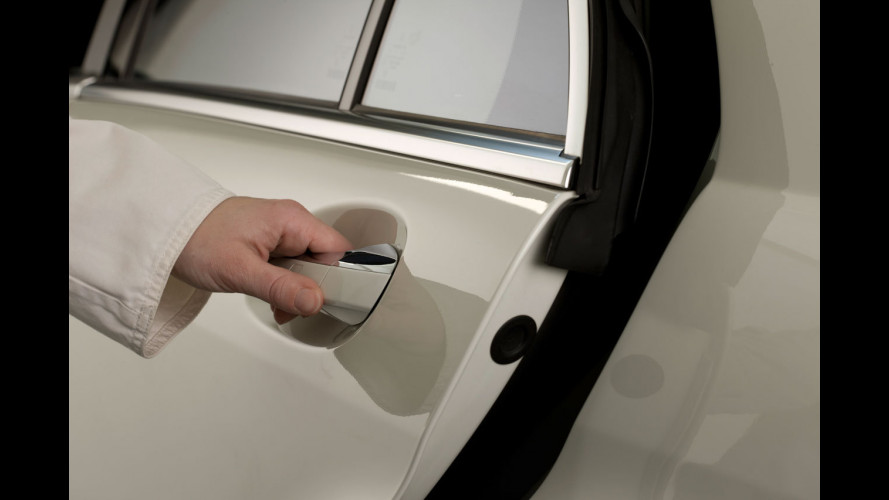 Mercedes: le cinture di sicurezza con fibbia attiva