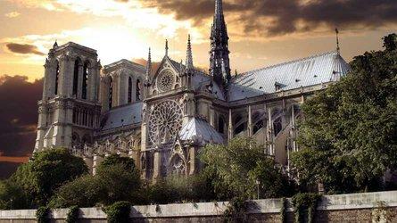 Les constructeurs automobiles au chevet de Notre-Dame de Paris