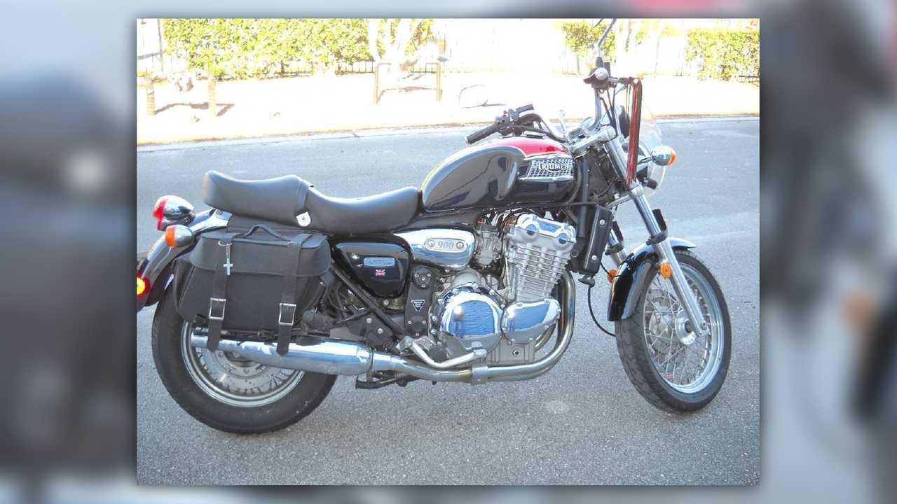 2000 Triumph Adventurer