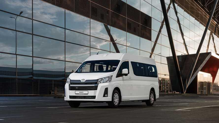 Микроавтобус Toyota Hiace вернулся в Россию