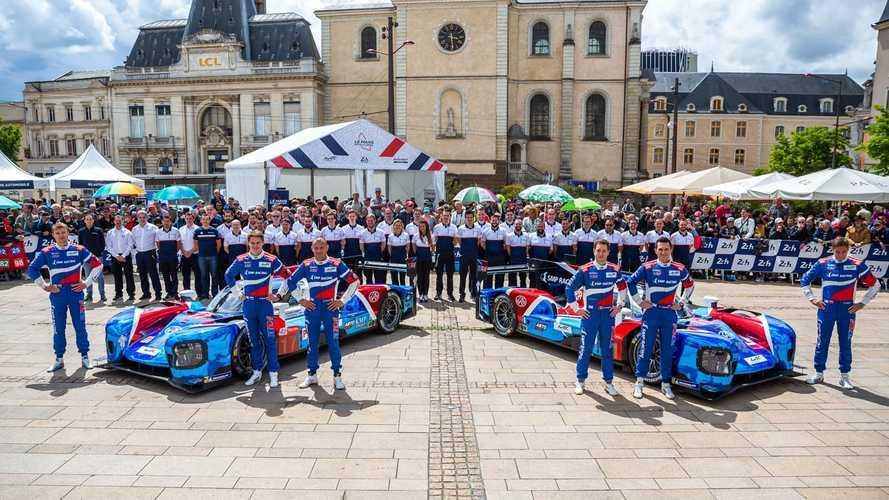 """Российские гонщики впервые финишировали на подиуме """"24 часов Ле-Мана"""""""