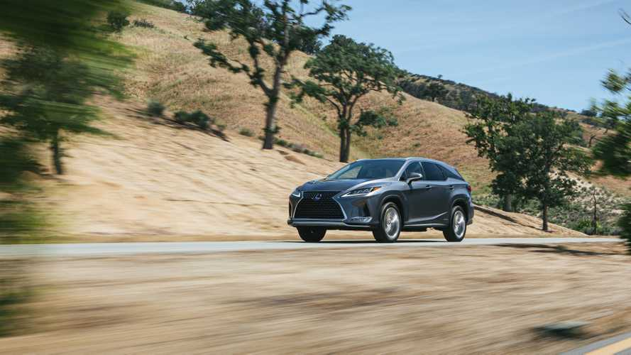Стали известны рублевые цены на обновленный Lexus RX