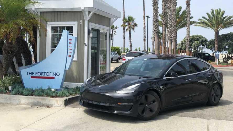 Több ezer Tesla-tulajdonost zárt ki saját autójából egy applikáció
