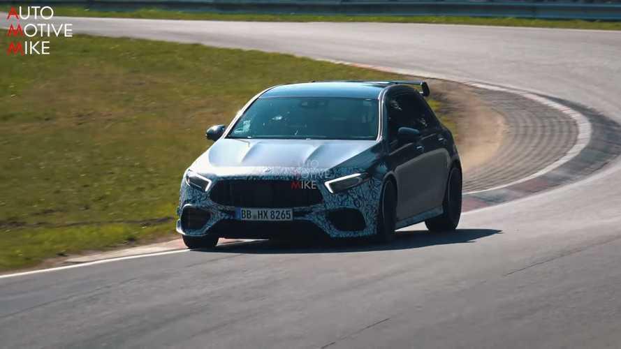Mercedes-AMG A45 kamuflajı giderek azaltıyor