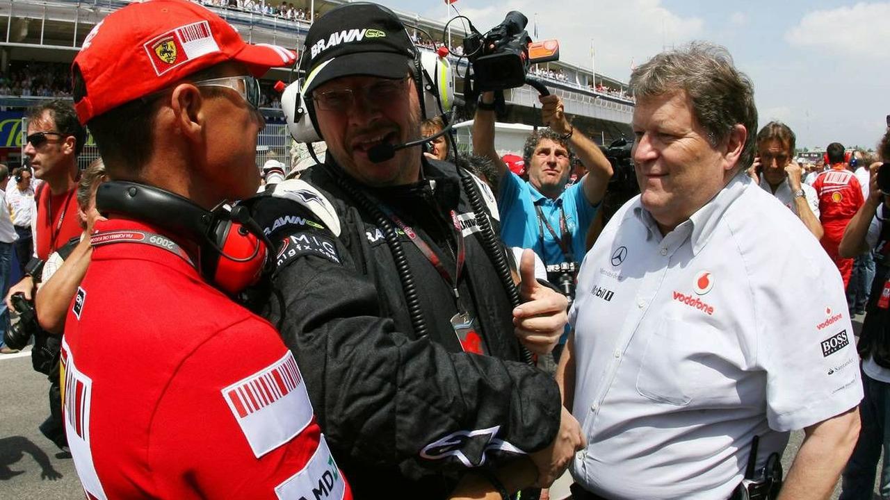 Michael Schumacher (GER), Ross Brawn (GBR) and Norbert Haug, Spanish Grand Prix, Sunday Pre-Race Grid, 10.05.2009 Barcelona, Spain