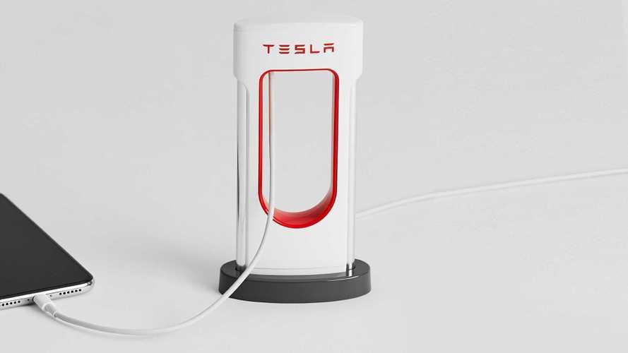 Supercharger da scrivania e tanto altro: il Tesla Shop sbarca in Italia