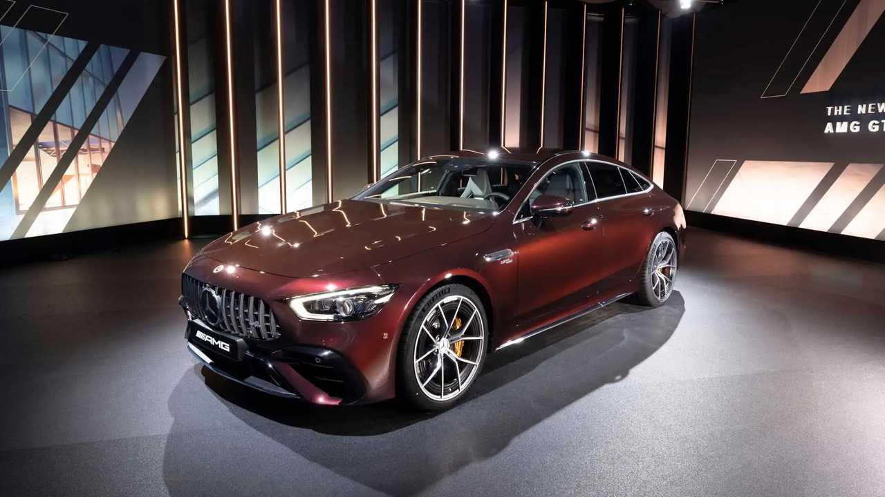 2022 Mercedes-AMG GT 4 ajtós külső