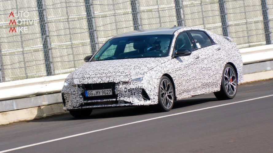 Hyundai Elantra N Melesat di Nurburgring dengan Gemuruh Knalpot