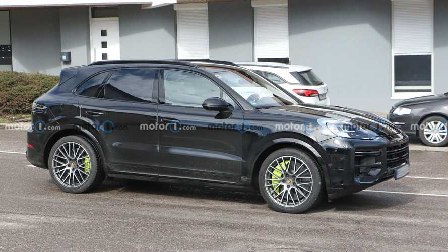 Porsche Cayenne Facelift Spied Inside And Out