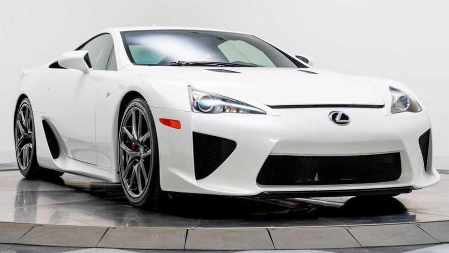 Lexus LFA Пэрис Хилтон