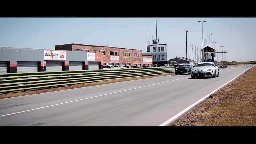 Supra ile Mustang Bullitt'in Drag Yarışı Videosundan Ekran Görüntüleri
