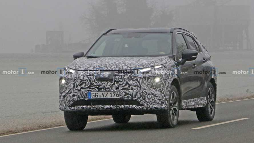 Mitsubishi Eclipse Cross facelift spy photos