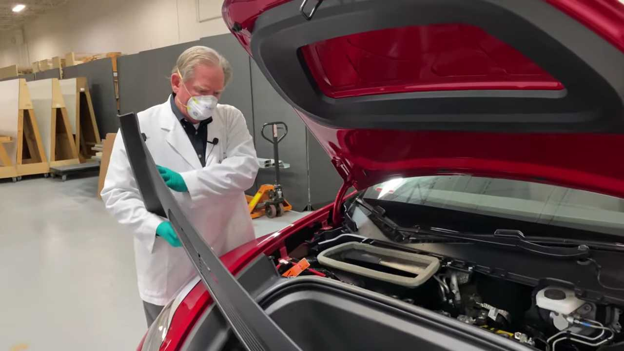 Munro Gives Improvement Suggestions About Tesla Model Y Cowl Cover Fail