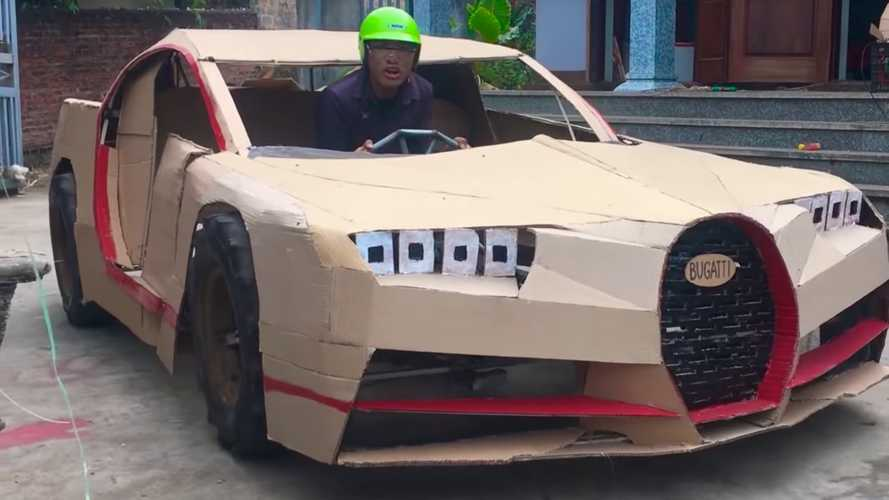 Vietnámban kartonpapírból, pedállal hajtott Bugatti Chiront építettek