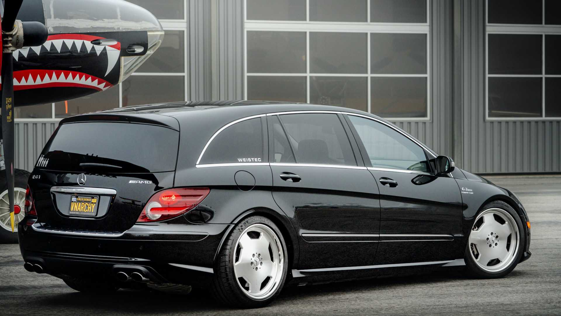 700-HP Mercedes R63 AMG Is The Minivan You Never Knew You ...
