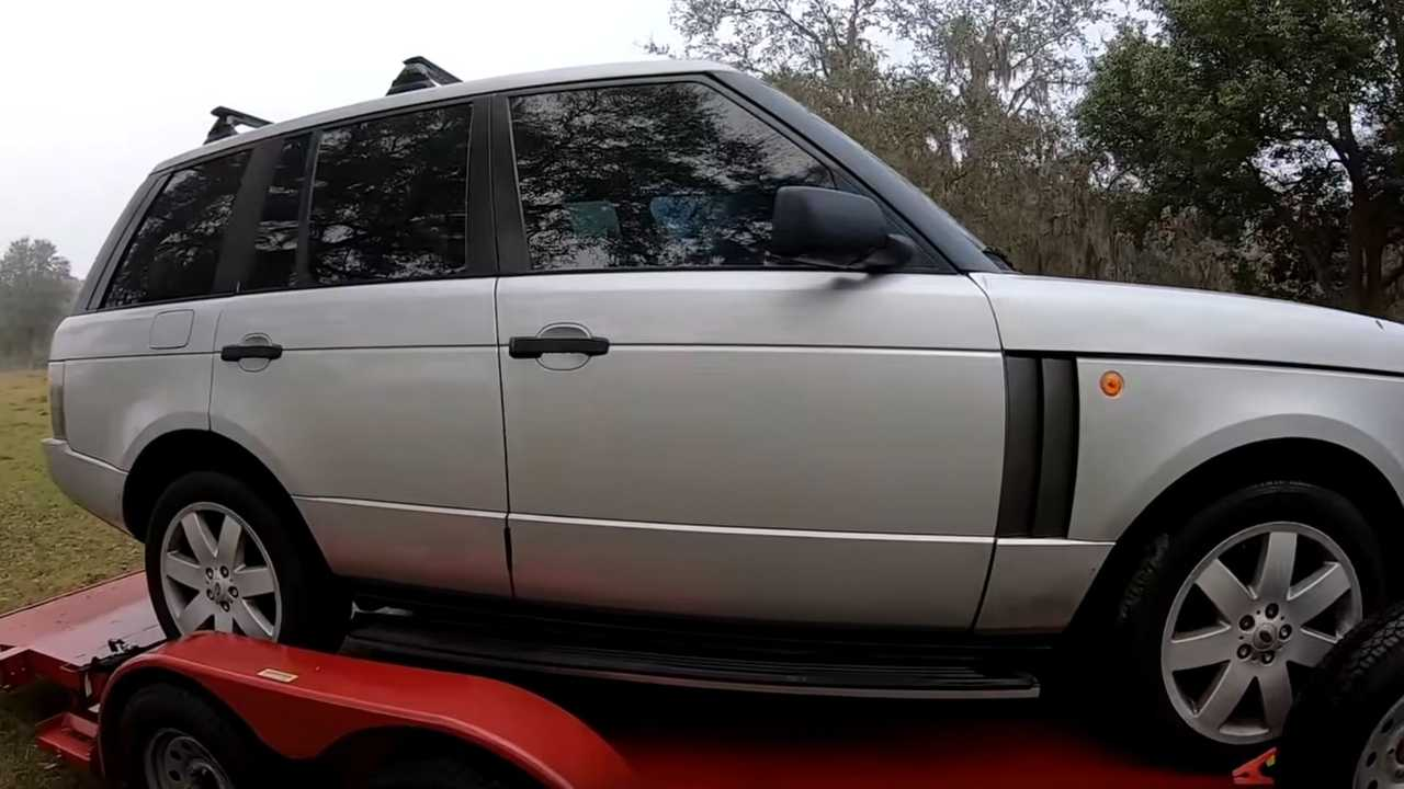 Guy Buys A Ranger Rover At Auction For $1,400