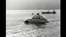 Il Maggiolino anfibio ha attraversato lo stretto di Messina