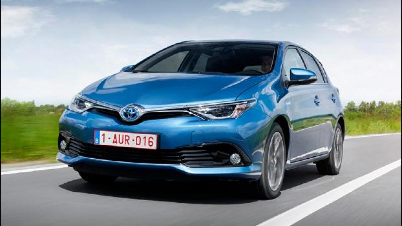 [Copertina] - Toyota Auris, volto nuovo e motori più piccoli