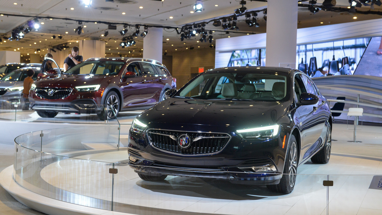 Most Expensive 2018 Buick Regal Gs Costs 46 025