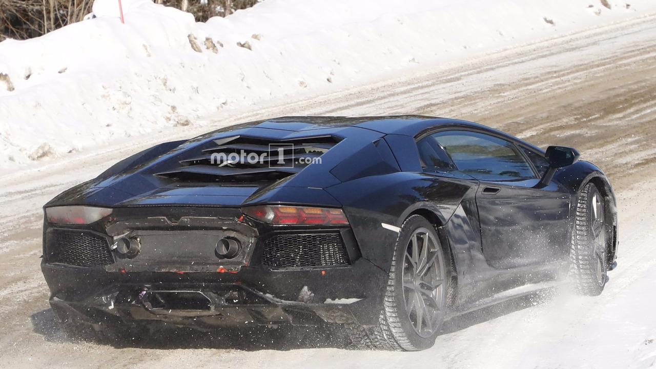 New Lamborghini Aventador version spy photo