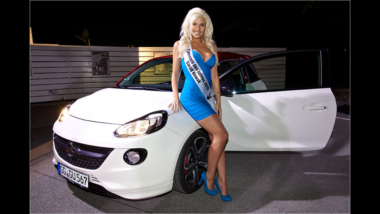 Playmate des Jahres 2015 Sarah Nowak: Opel Adam S