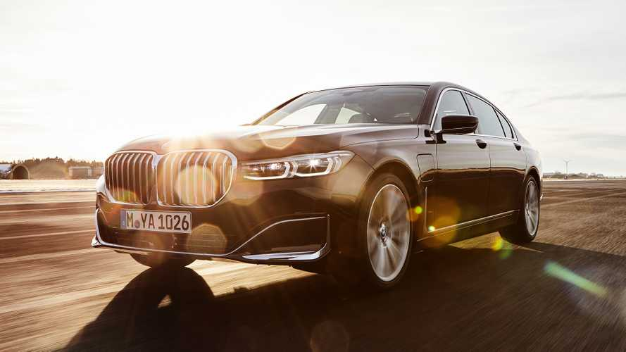 BMW раскрыла детали о новом гибридном седане 745e