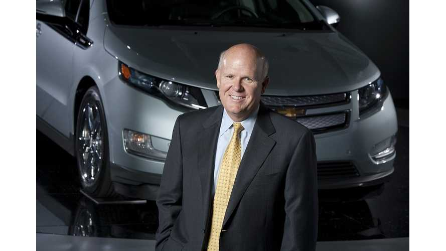 GM CEO Akerson Says Automaker is Working on 200-Mile Range Electric Vehicle (Video)