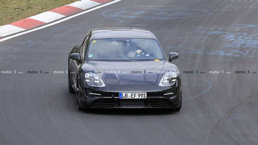 2021 Porsche Taycan Cross Turismo spy photos