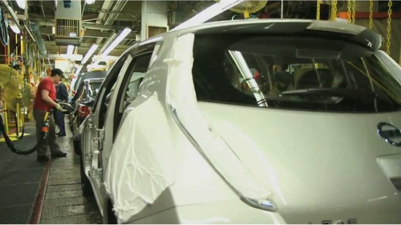 Watch Nissan's US Production Line Build A New 2013 LEAF (2 videos)