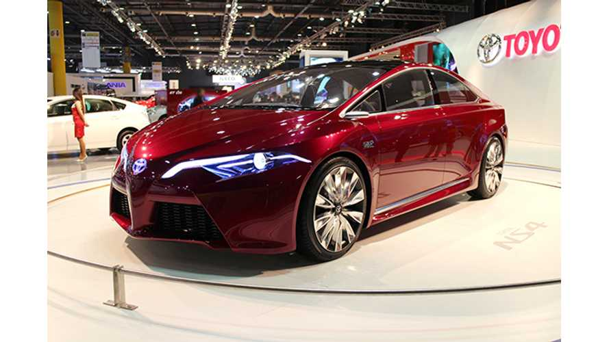 Video: Toyota NS4 Plug-In Shows Up In Buenos Aires