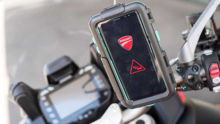 Audi, Ducati e Ford al lavoro per connettere auto e moto