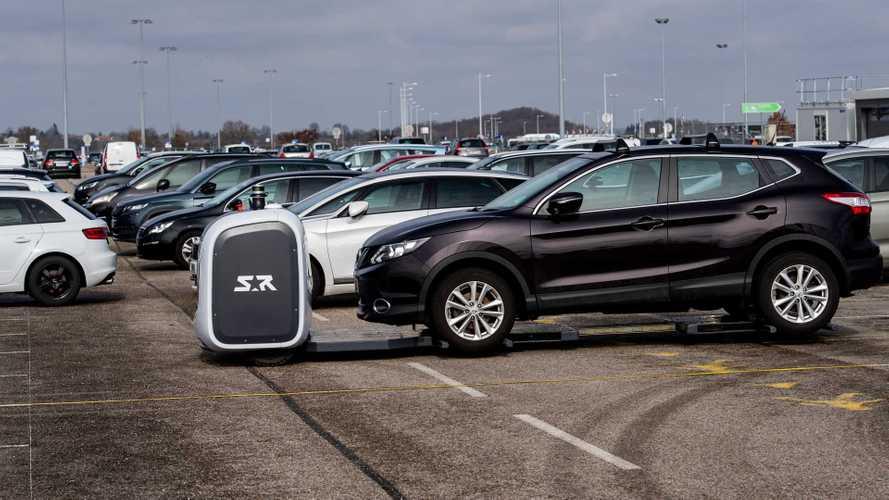 À Lyon, ce sont des robots qui garent votre voiture à l'aéroport