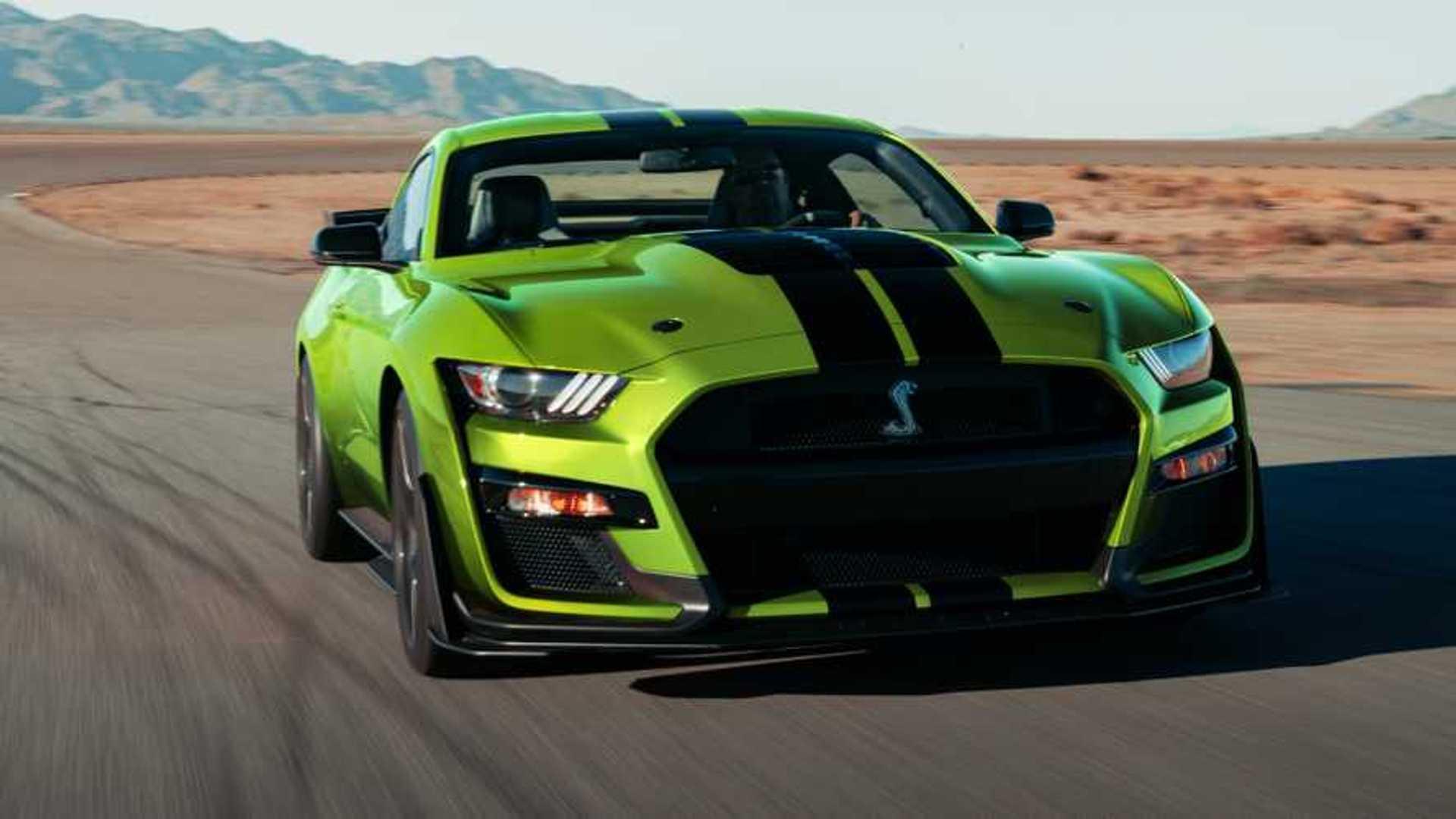 Ajouter des bandes à la Mustang Shelby GT500 coûte 10'000 dollars