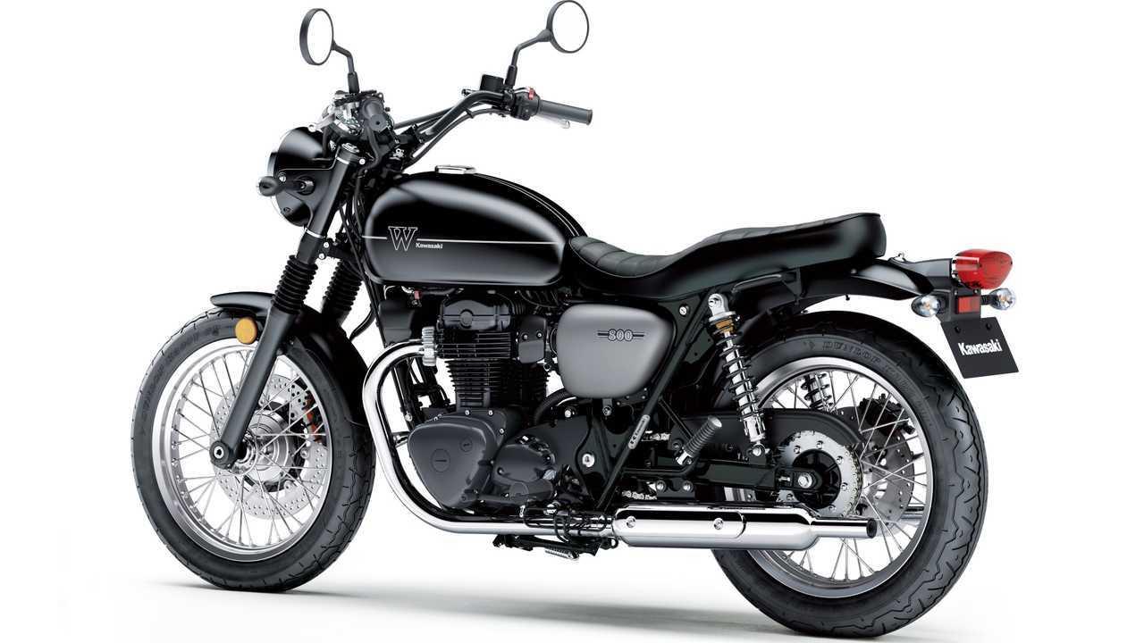 2019 Kawasaki W800 Street Rear 3/4