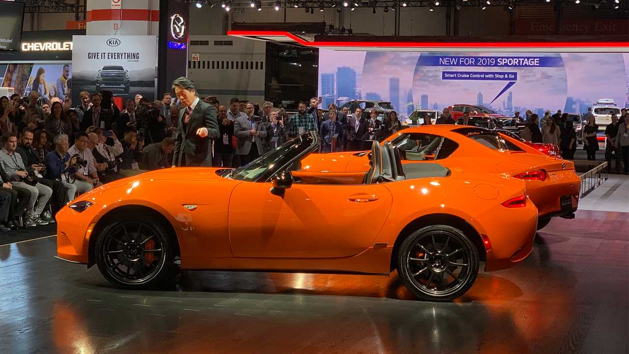 2019 Mazda MX-5 Miata 30th Anniversary Edition Rolls Into