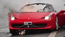 Ferrari 458 Italia de R$ 1,5 milhão pega fogo em São Paulo