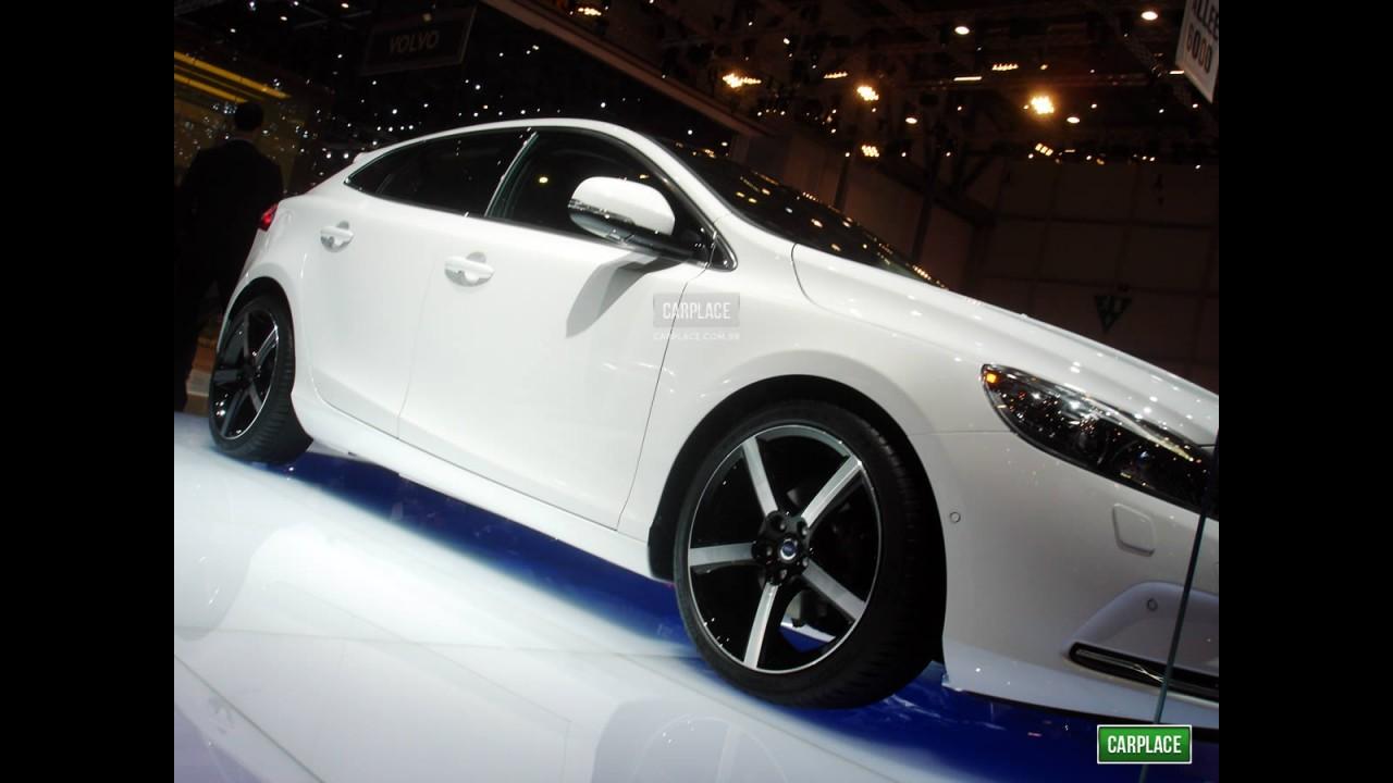 Volvo confirma Novo V40 e uma surpresa no Salão do Automóvel de São Paulo