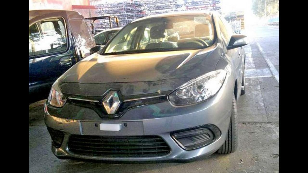 Flagra: novo Fluence, que estreia no Salão do Automóvel, é clicado na fábrica