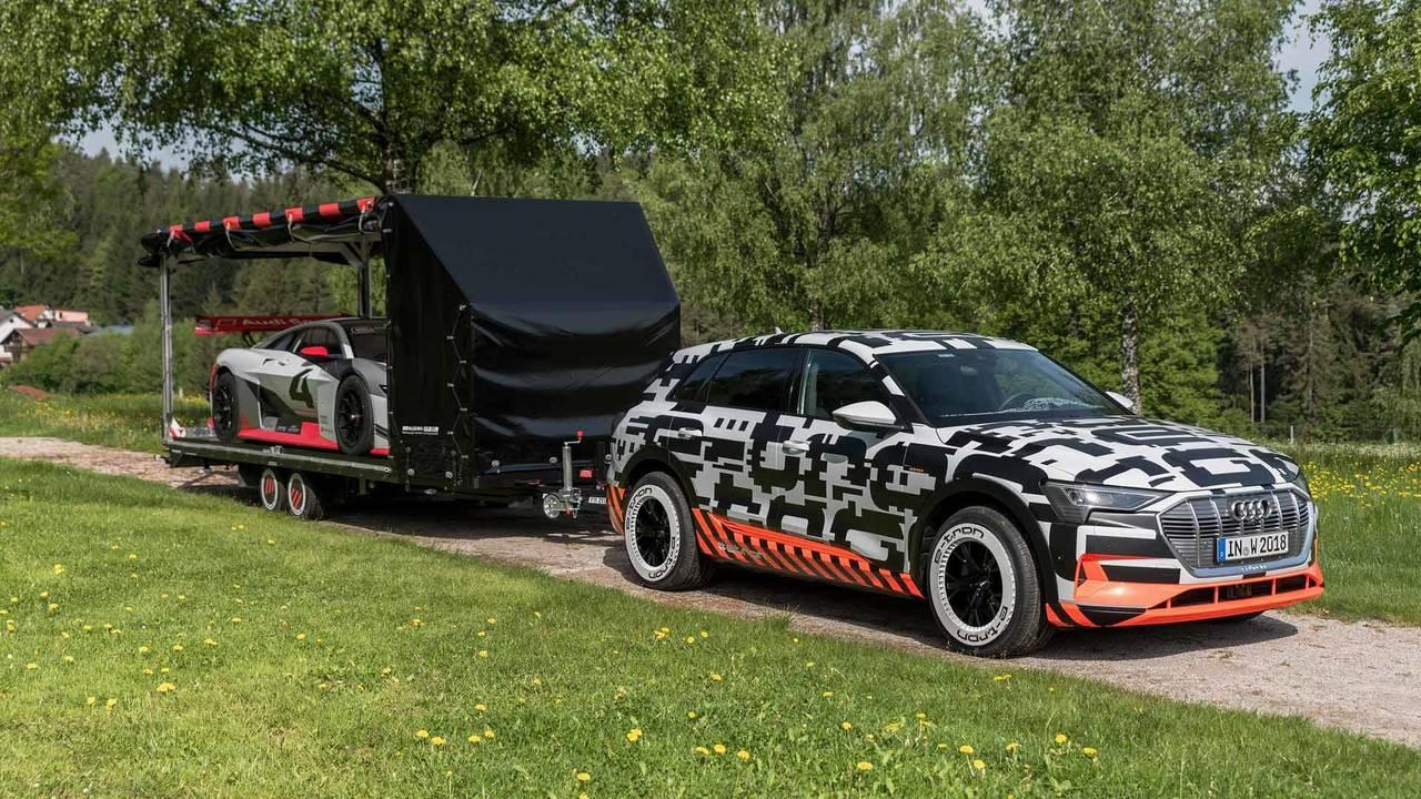 Audi E-Tron Quattro ve Vision Gran Turismo