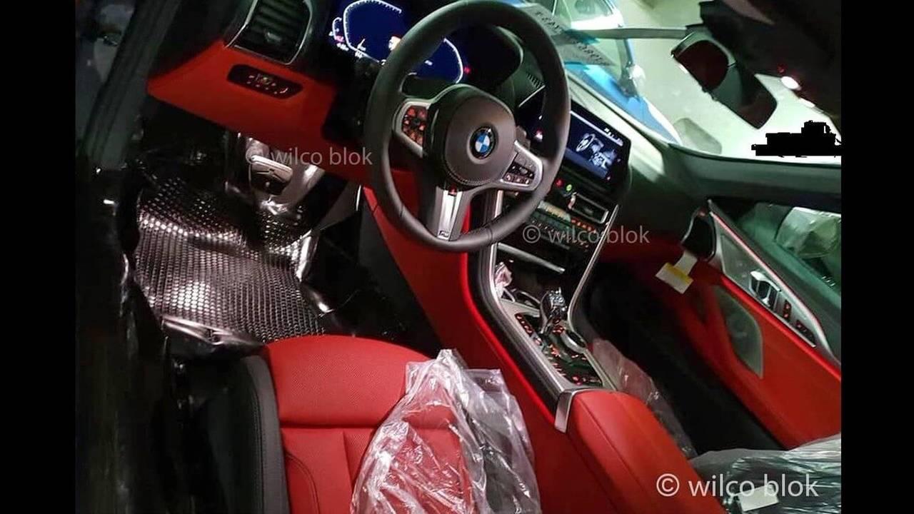 BMW 8 Serisi kabin fotoğrafı