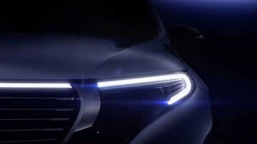 Videóban mutogatja a szeptemberben érkező EQC frontrészét a Mercedes
